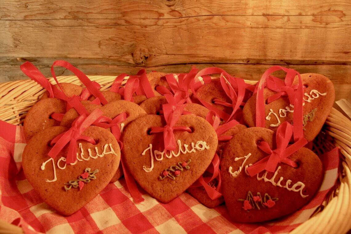 Nice gingerbread cookies from Oulunsalo Christmas Market wishing for Hyvää Joulua! Gute Weihnachten! Merry Christmas! God Jul!